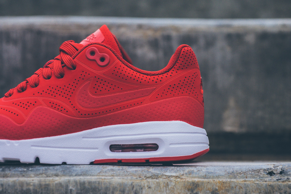 nike wmns air max 1 ultra moire university red sbd. Black Bedroom Furniture Sets. Home Design Ideas