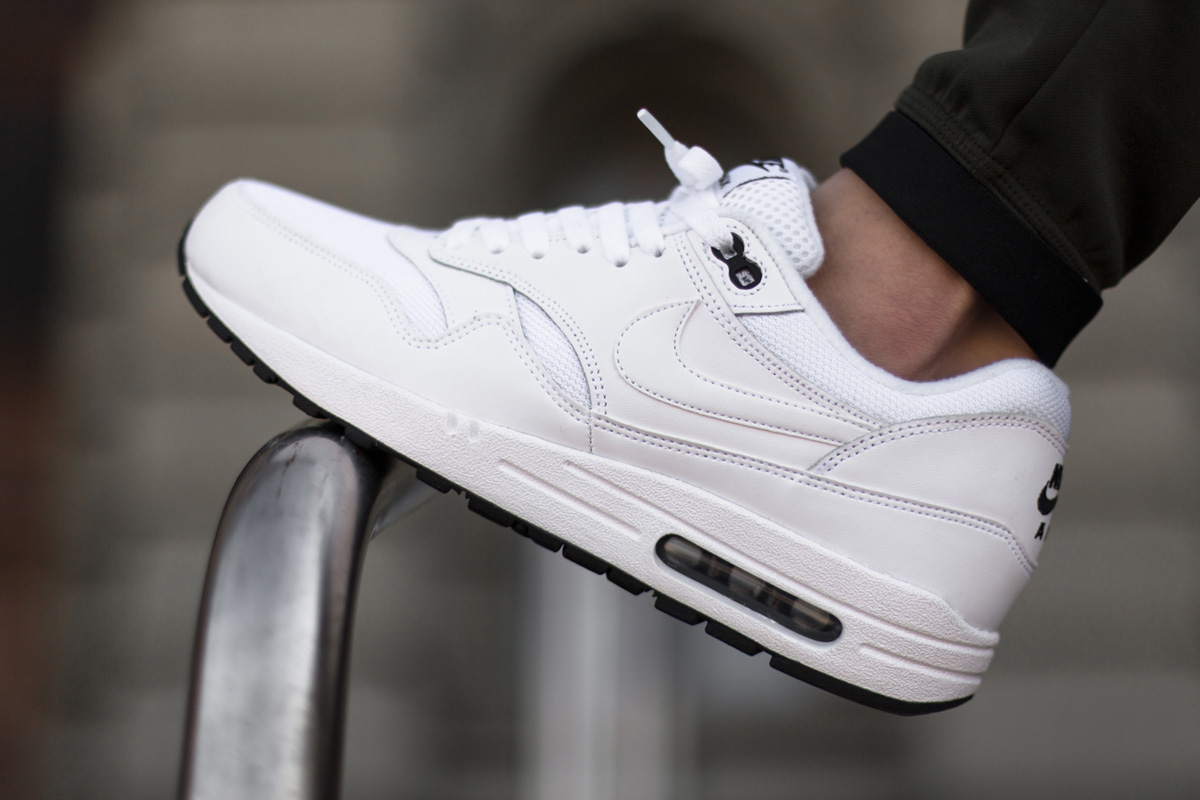 nike air max 1 essential white black sbd. Black Bedroom Furniture Sets. Home Design Ideas