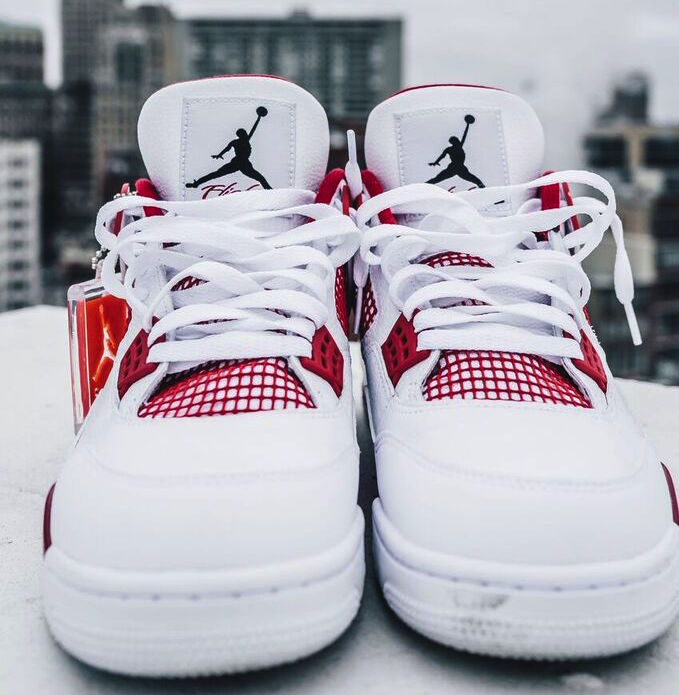 Alternate Air Jordan 4 Retro 2016