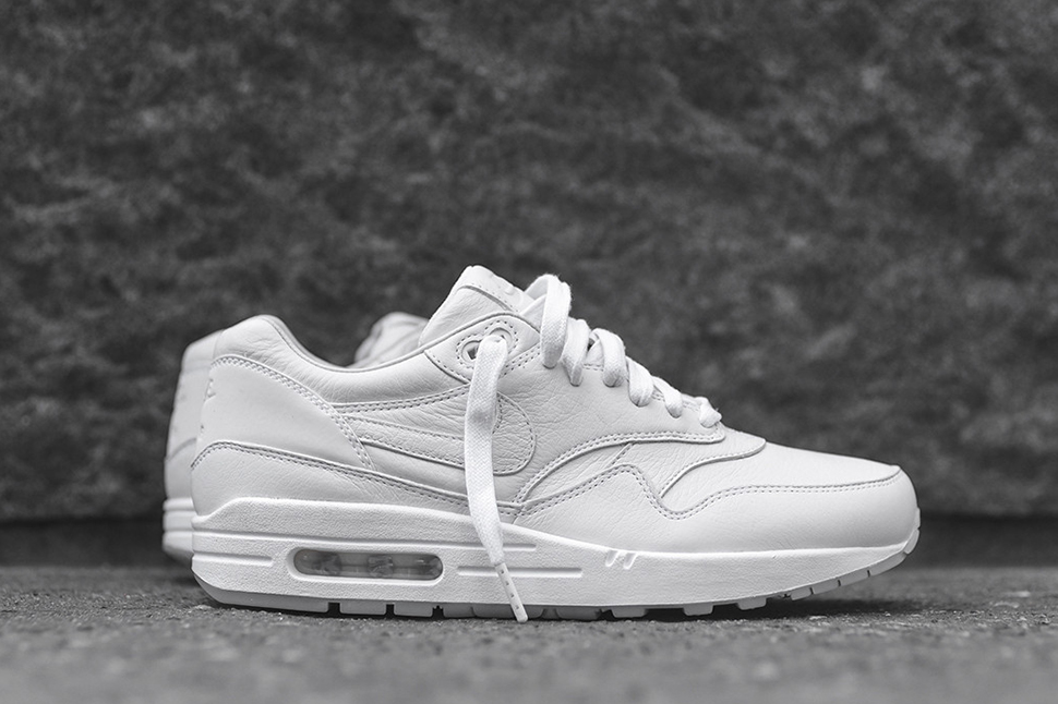 premium selection 5be68 73213 NikeLab Releases Two New Air Max 1 Pinnacle Colorways chic
