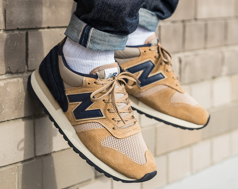 New Balance 770 Navy Beige Made in England