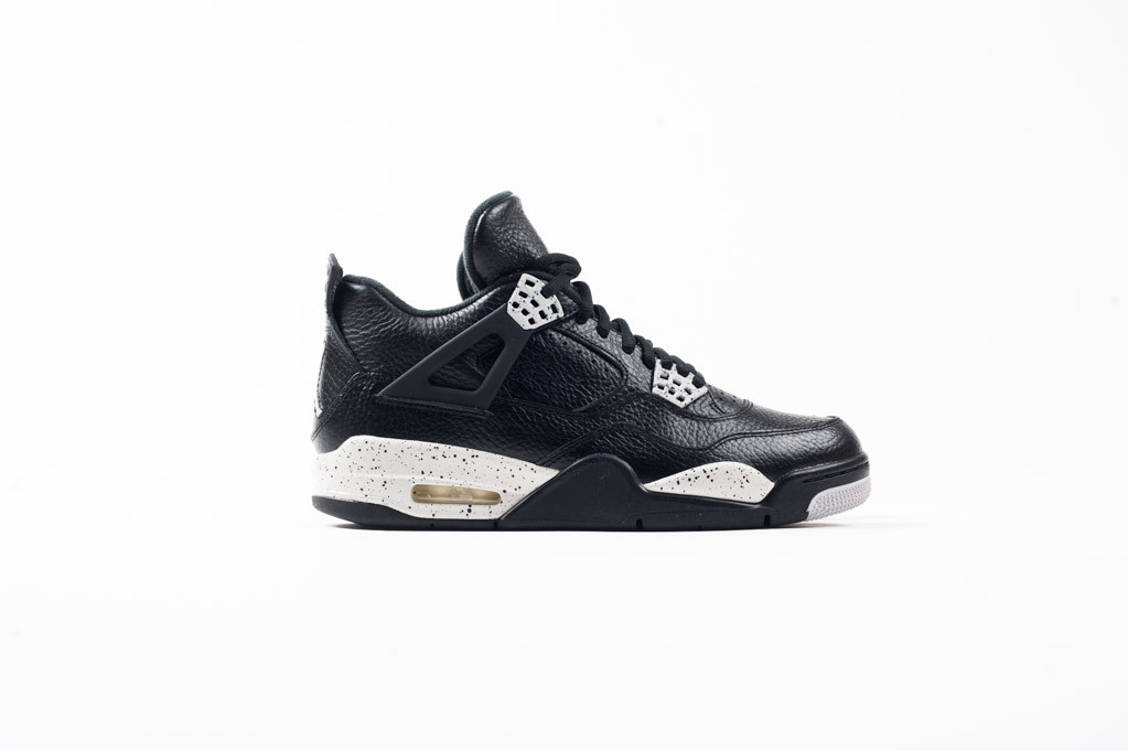 Air Jordan 4 Retro Tech Grey Oreo