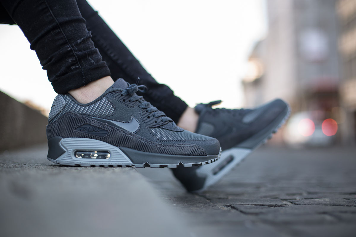 nike air max 90 dark grey
