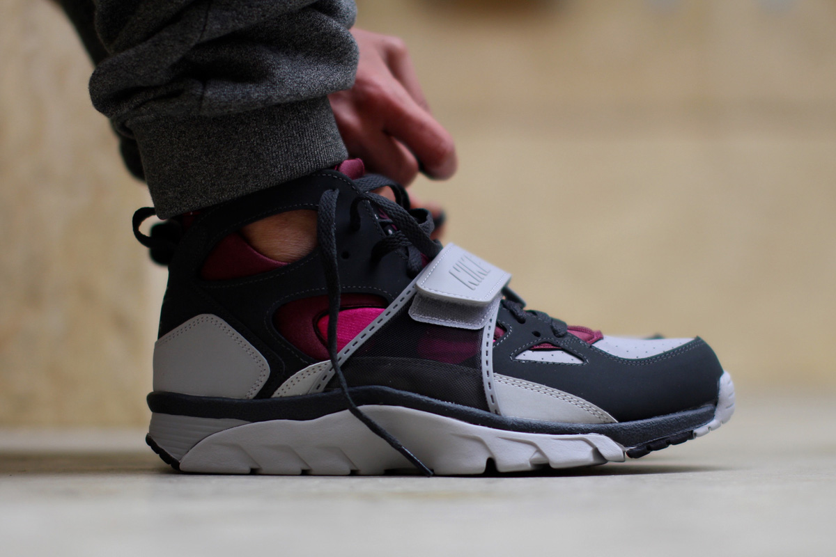 Nike-Air-Trainer-Huarache-Fireberry-5