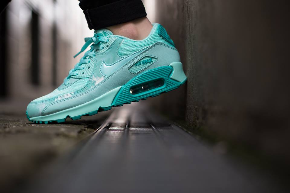 info for f7d52 d7e5a Nike Sportswear continues to release new colorways of the Nike Air Max 90  ...