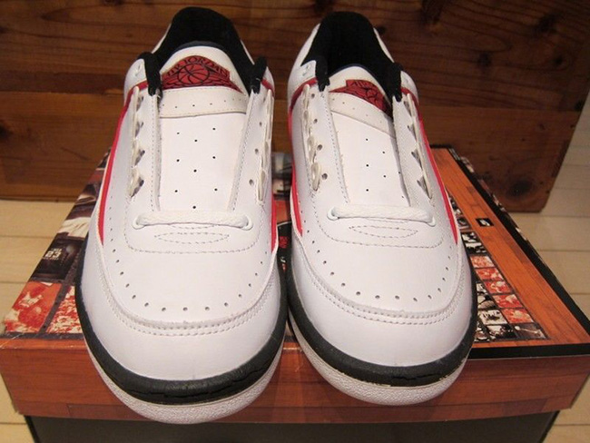 Air Jordan 2 Low Chicago 2016