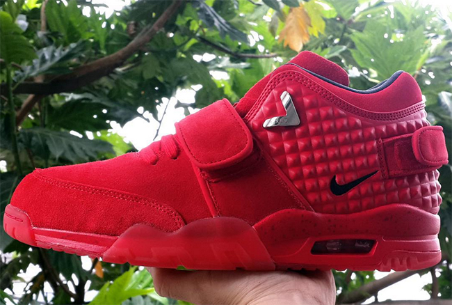 red octobers on feet