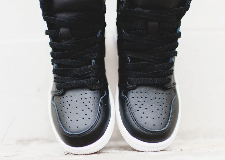 Air Jordan 1 OG Black White Cyber Monday