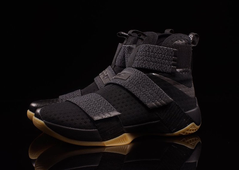 LeBron Soldier 10 Black Gum