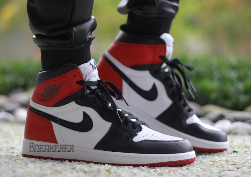 521afb26bd397b Air Jordan 1 OG Black Toe Retro 2016 Release Date - SBD