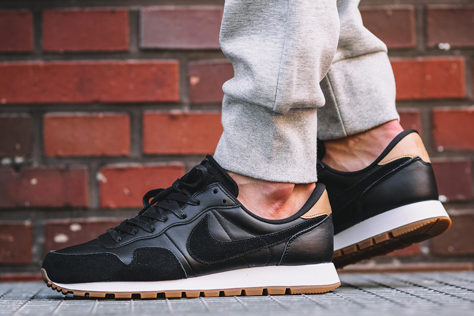 pretty nice 13541 6834b Nike Air Pegasus 83 Premium Black Vachetta Tan