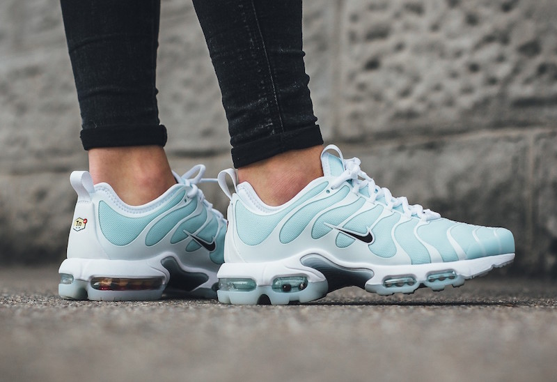 https://sneakerbardetroit.com/wp-content/uploads/2017/02/Nike-Air-Max-Plus-TN-Ultra-Glacier-Blue-01.jpg