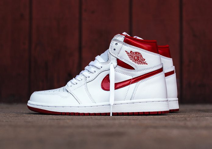 Air Jordan 1 High OG Metallic Red