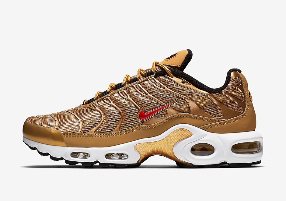 nike air max plus metallic gold release date sneaker bar detroit. Black Bedroom Furniture Sets. Home Design Ideas