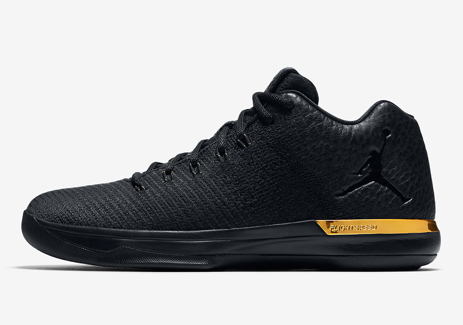 Air Jordan XXX1 Low Triple Black Gold 897564-023