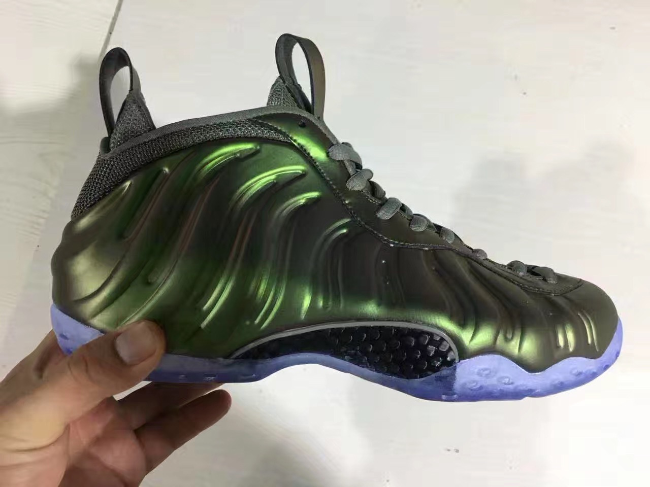 Nike Air Foamposite One Shine Dark Stucco AA3963-001