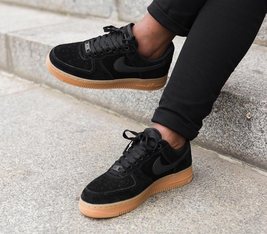 Nike Air Force 1 07 SE Black Gum AA0287-002