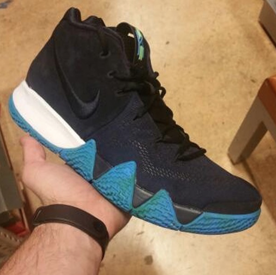 Nike Kyrie 4 Black White Anthracite Light Racer Blue