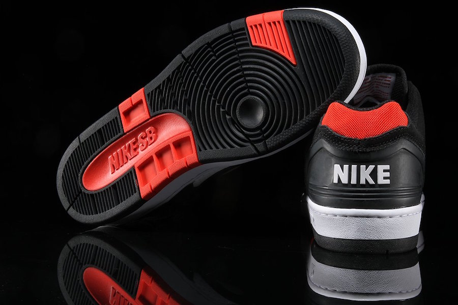 Nike SB Air Force 2 Low Bred AO0300-006