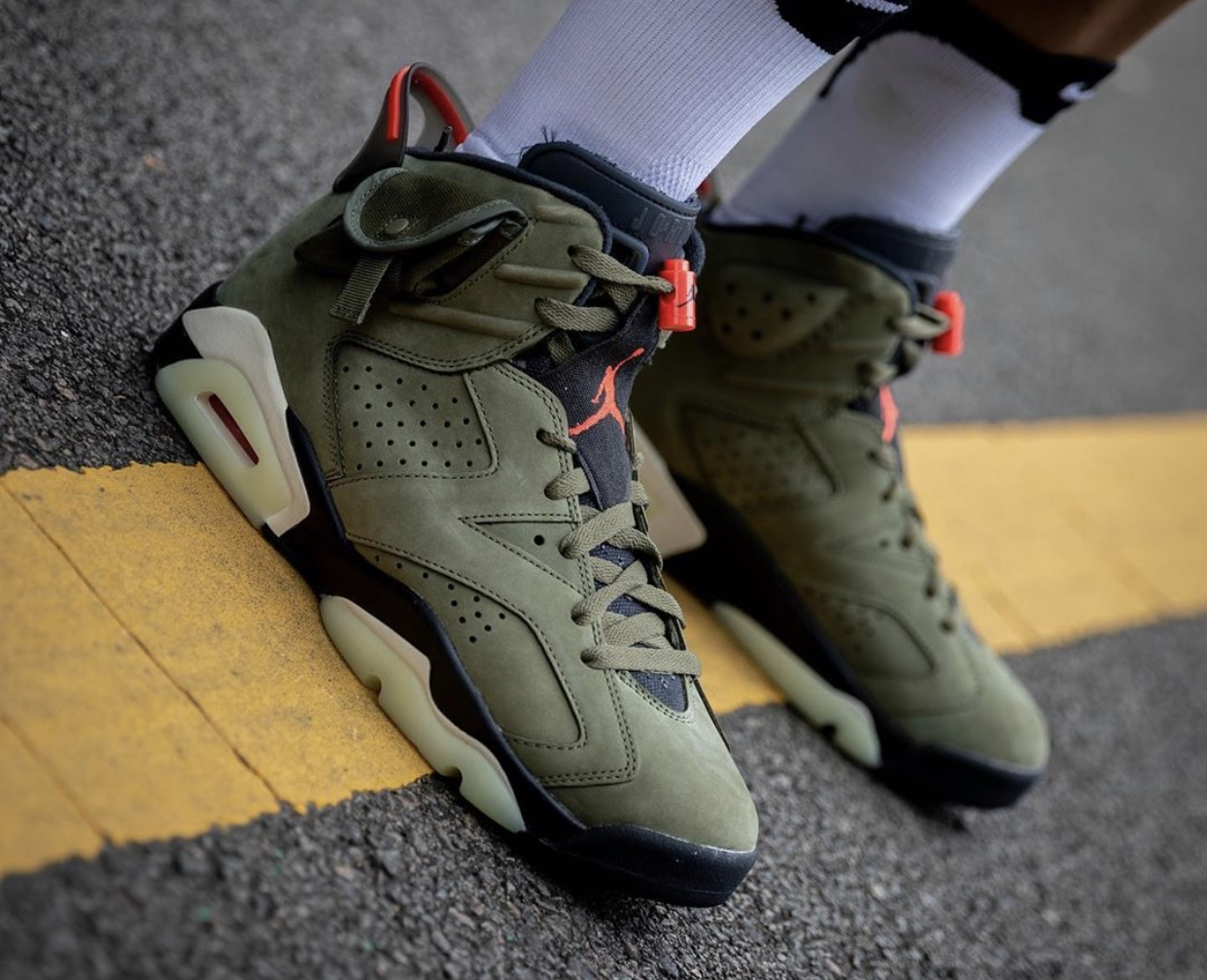 Travis Scott Air Jordan 6 2019 On-Feet Release Date CN1084-200
