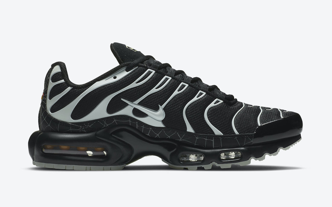 Nike Air Max Plus Halloween Spider Web DD4004-001 Release Date