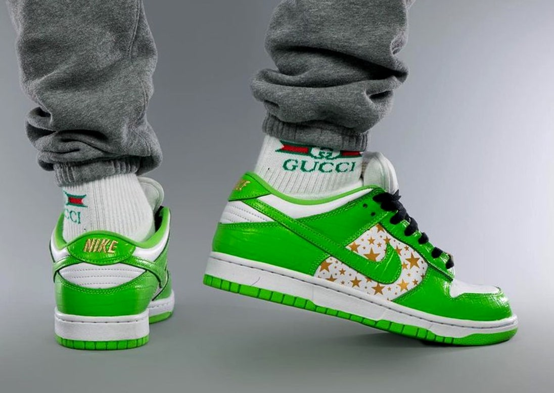 Supreme Nike SB Dunk Low Green Stars DH3228-101 Release Date On-Feet